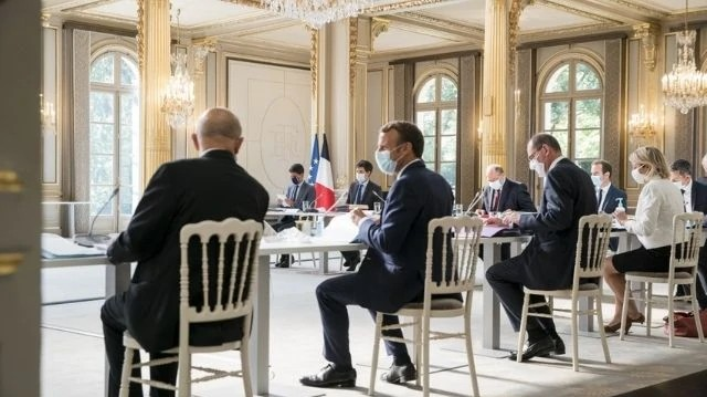French Anti-Extremism Law: Government Eliminates Controversial Provisions